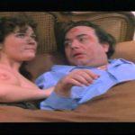 Lino Banfi, Alvaro Vitali – Lo zio Efisio e la cena (dal film: L'onorevole con l'amante sotto il letto)