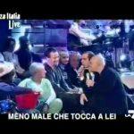 Checco Zalone e Maurizio Crozza – Inno a Berlusconi